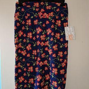 Lularoe NWT XS Cassie floral print skirt